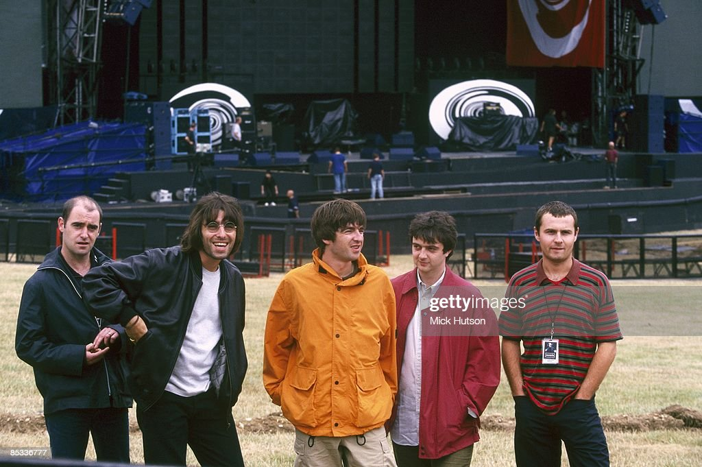 Photo of Alan WHITE and Paul Bonehead ARTHURS and Paul Guigsy McGUIGAN and Liam GALLAGHER and OASIS : News Photo
