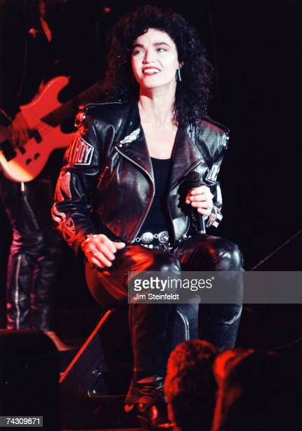 Photo of Alannah Myles Photo by Jim Steinfeldt/Michael Ochs Archives/Getty Images