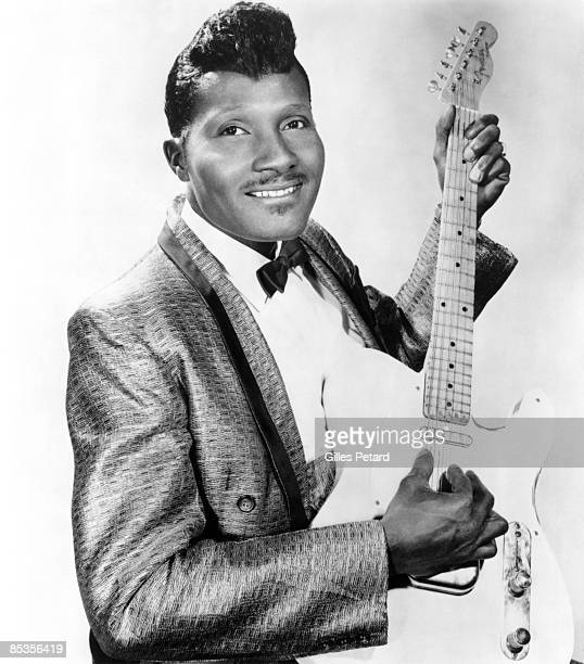 Photo of Albert COLLINS Posed studio portrait of Albert Collins with Fender Telecaster