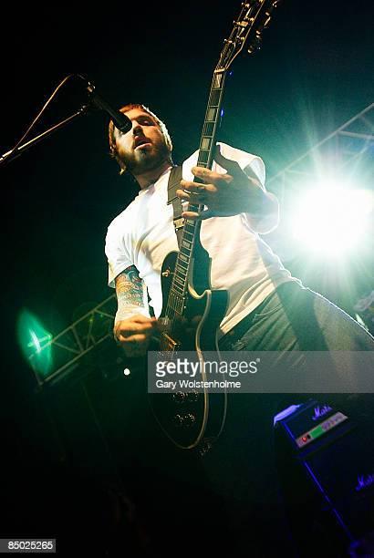 FESTIVAL Photo of ALEXISONFIRE Alexisonfire performing at Leeds Festival 2006