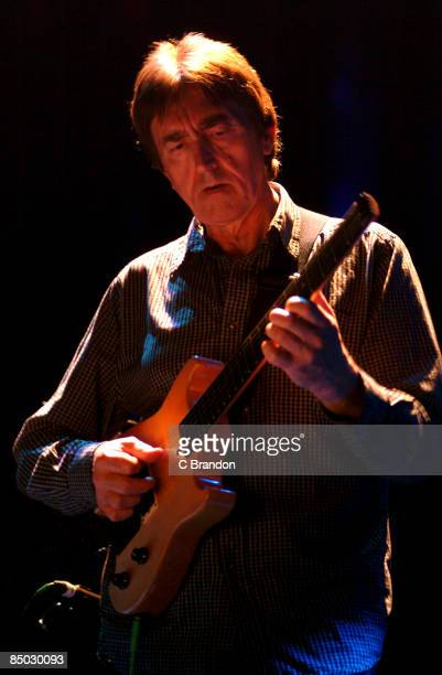 HALL Photo of Allan HOLDSWORTH performing live onstage