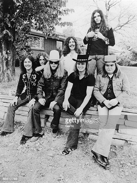 Photo of Allen COLLINS and Billy POWELL and Gary ROSSINGTON and Leon WILKESON and LYNYRD SKYNYRD and Ed KING and Ronnie VAN ZANT LR Billy Powell...