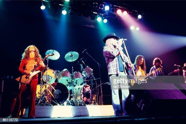 THEATRE Photo of Allen COLLINS and Gary ROSSINGTON and LYNYRD SKYNYRD and Ronnie Van ZANT and Steve GAINES LR Allen Collins Ronnie Van Zant Gary...