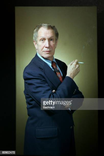 Photo of American actor Vincent Leonard Price, Jr. Holding a cigarette in his right hand. Boston, 1980.