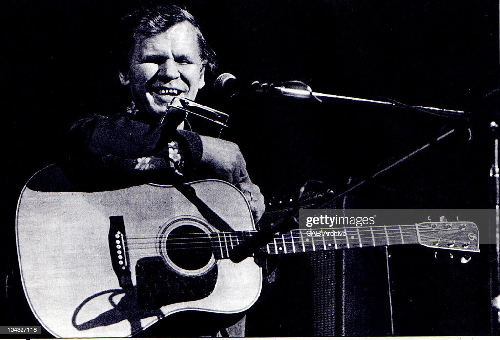 Bluegrass Musician Doc Watson Dies at 89