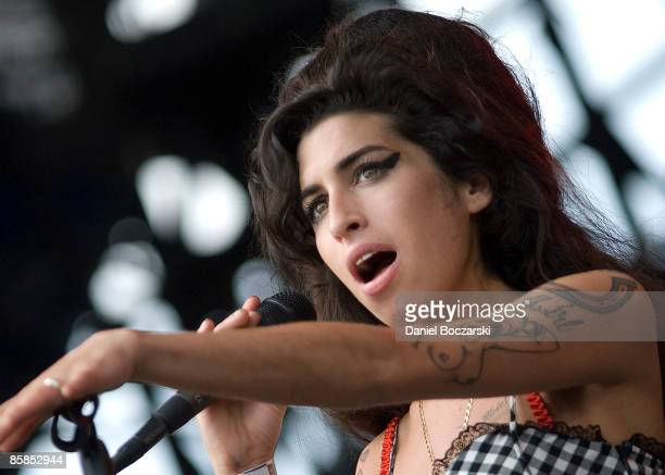 LOLLAPALOOZA Photo of Amy WINEHOUSE Amy Winehouse performing on stage