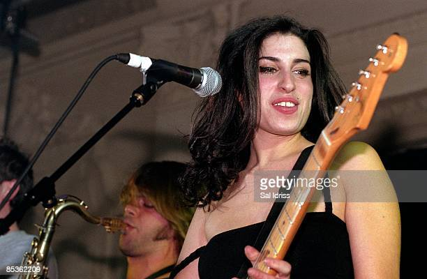 HALL Photo of Amy WINEHOUSE