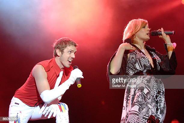 Photo of Ana MATRONIC and Jake SHEARS and SCISSOR SISTERS, Jake Shears and Ana Matronic performing live onstage