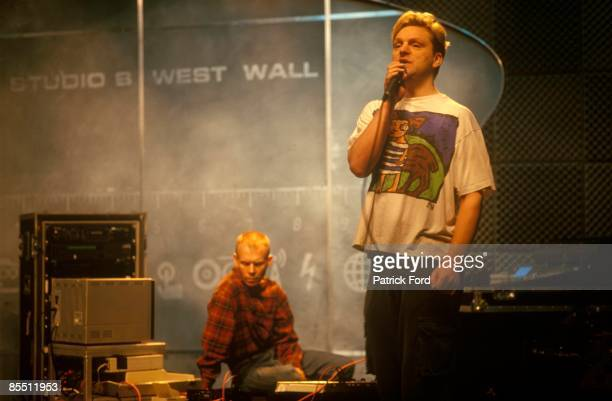 Photo of Andy BELL and Vince CLARKE and ERASURE LR Vince Clarke Andy Bell