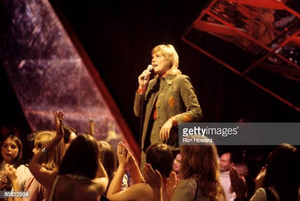 POPS Photo of Anne MURRAY performing live on Top Of The Pops TV Show