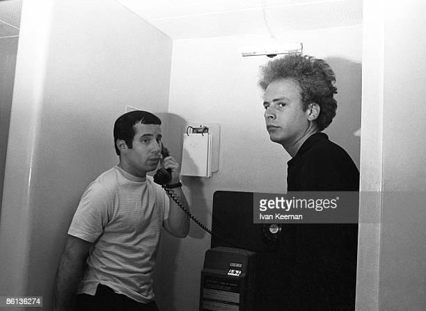 GO Photo of Art GARFUNKEL and SIMON GARFUNKEL and Paul SIMON and SIMON AND GARFUNKEL Paul Simon Art Garfunkel backstage at Wembley Studios Paul Simon...