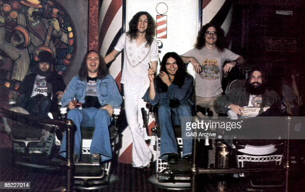 Photo of Artimus PYLE and Billy POWELL and Gary ROSSINGTON and Allen COLLINS and Ronnie VAN ZANT and Leon WILKESON and LYNYRD SKYNYRD LR Leon...