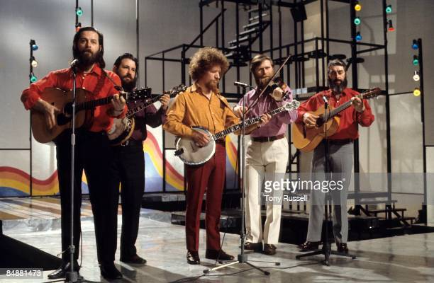 LWT Photo of Barney McKENNA and DUBLINERS and Luke KELLY and Ronnie DREW LR Ciaran Bourke Barney McKenna Luke Kelly John Sheahan Ronnie Drew...