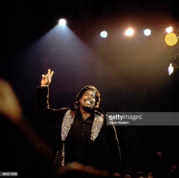 HALL Photo of Barry WHITE performing live onstage