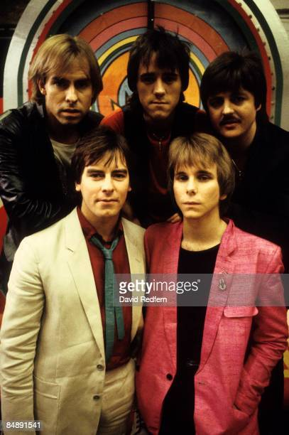 STUDIO Photo of BAY CITY ROLLERS and Derek LONGMUIR and Alan LONGMUIR and Stuart WOOD and Duncan FAURE and Eric FAULKNER Posed group portrait LR...