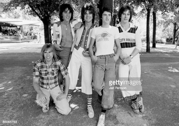 GARDENS Photo of BAY CITY ROLLERS and Derek LONGMUIR and Stuart Woody WOOD and Eric FAULKNER and Les McKEOWN and Alan LONGMUIR LR Derek Longmuir...