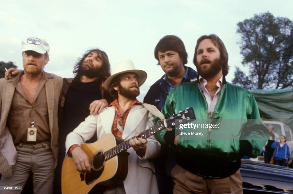 Photo of BEACH BOYS and Mike LOVE and Dennis WILSON and Al JARDINE and Brian WILSON and Carl WILSON : News Photo