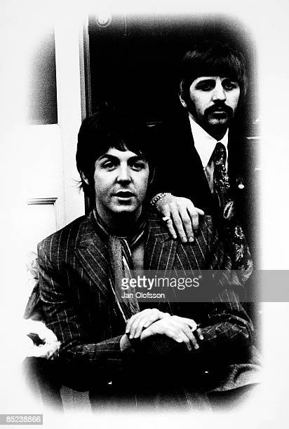 Photo of BEATLES and Paul McCARTNEY and Ringo STARR with Ringo Starr posed outside Brian Epstein's Belgravia house for Sgt Pepper launch