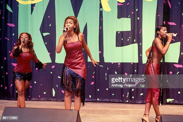 Photo of Beyonce KNOWLES and DESTINY'S CHILD and Kelly ROWLAND and LaTavia ROBERSON LR LaTavia Roberson Beyonce Knowles and Kelly Rowland performing...