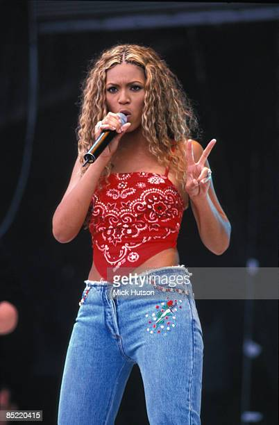 PARK Photo of Beyonce KNOWLES and DESTINY'S CHILD Beyonce Knowles