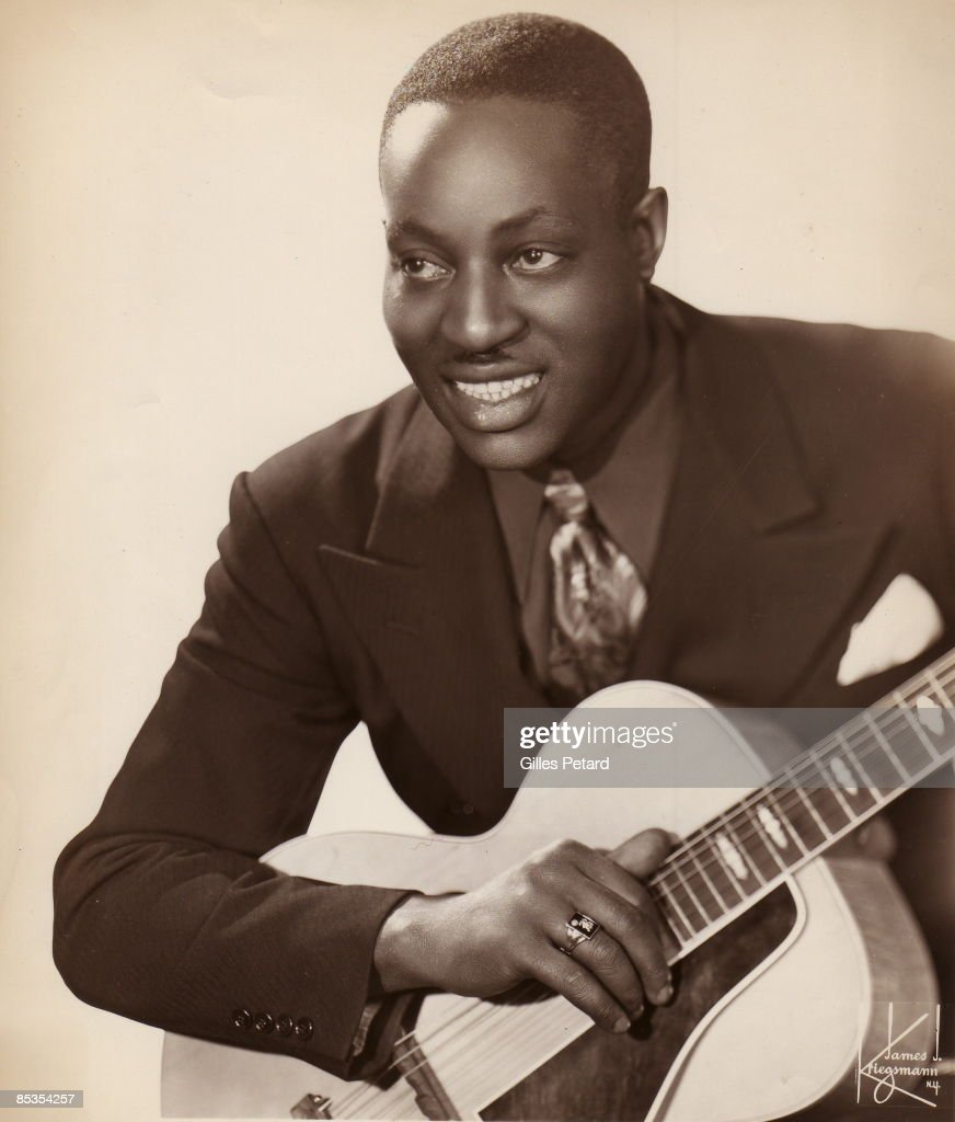 Photo of Big Bill BROONZY; posed