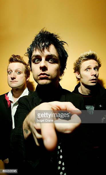 Photo of Billie Joe ARMSTRONG and GREEN DAY and Mike DIRNT and Tre COOL LR Tre Cool Billie Joe Armstrong Mike Dirnt