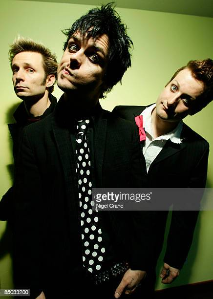Photo of Billie Joe ARMSTRONG and GREEN DAY and Tre COOL and Mike DIRNT LR Mike Dirnt Billie Joe Armstrong Tre Cool