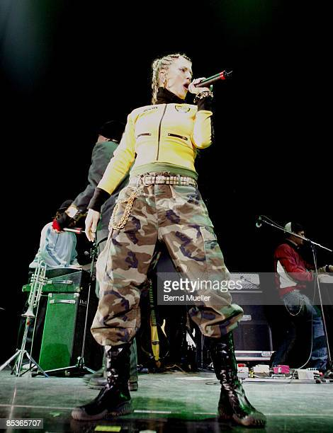 Photo of BLACK EYED PEAS Musik The black eyed peas Vorgrupee von Justin Timberlake live in concert MnnchenOlympiahalle EuropaTour 2003 in action...
