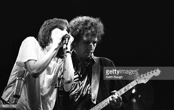 STADIUM Photo of Bob DYLAN and Chrissie HYNDE Chrissie Hynde and Bob Dylan performing on stage