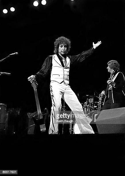 Photo of Bob DYLAN Bob Dylan performing on stage full length