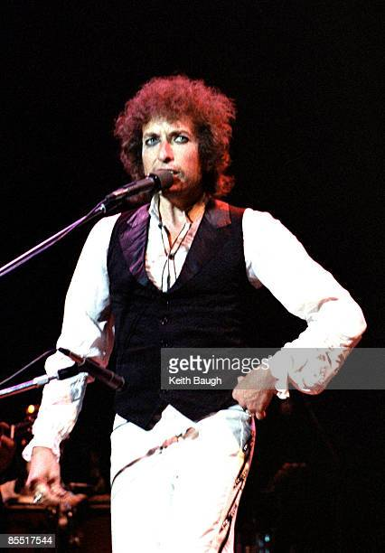 Photo of Bob DYLAN Bob Dylan performing on stage