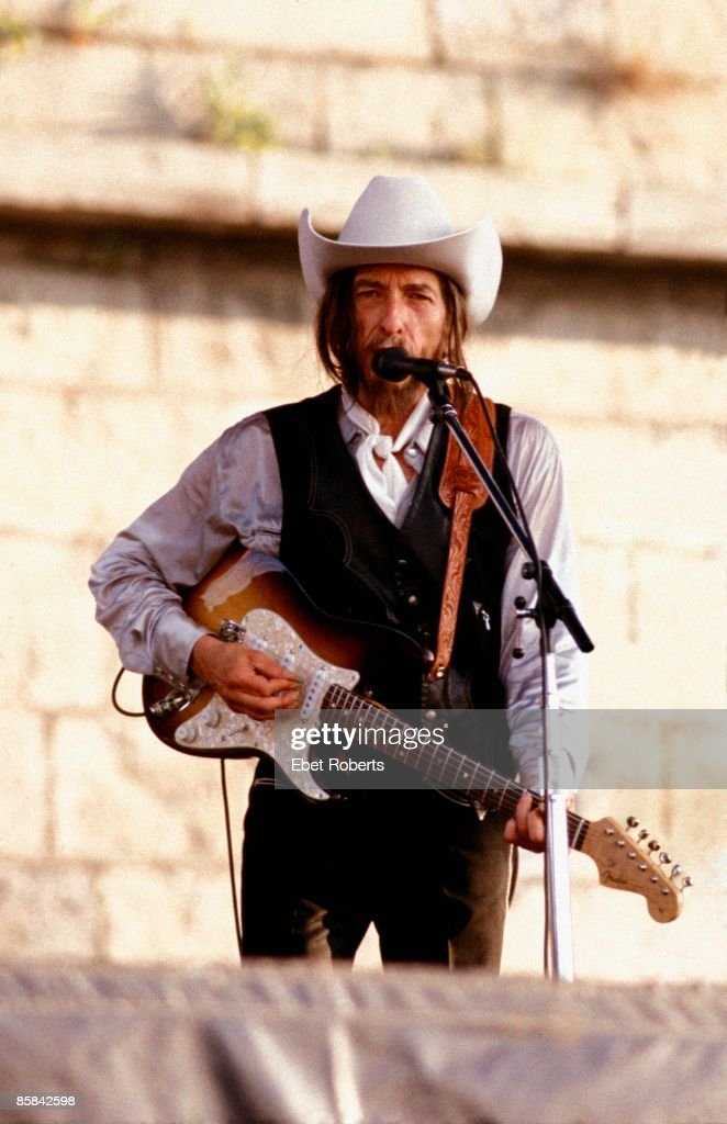 FESTIVAL Photo of Bob DYLAN, performing live onstage, with beard, wearing stetson