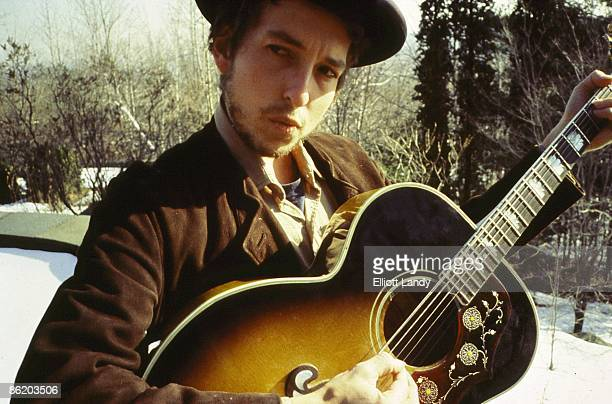 WOODSTOCK Photo of Bob DYLAN posed photo session for Nashville Skyline Album cover