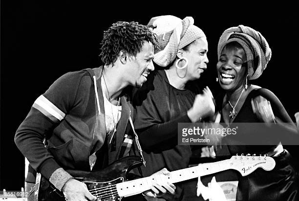 THEATER Photo of Bob MARLEY and WAILERS and Junior MARVIN and Marcia GRIFFITHS and Rita MARLEY and I THREES LR Junior Marvin Marcia Griffiths and...