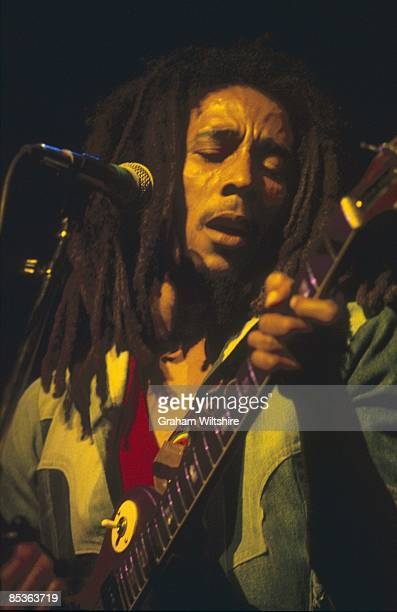 THEATRE Photo of Bob MARLEY Bob Marley performing live on stage