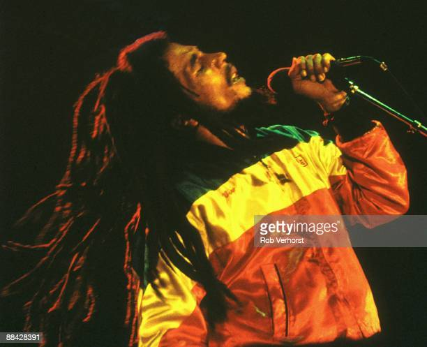 AHOY Photo of Bob MARLEY Bob Marley performing live on stage