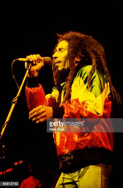 CENTRE Photo of Bob MARLEY Bob Marley performing on stage