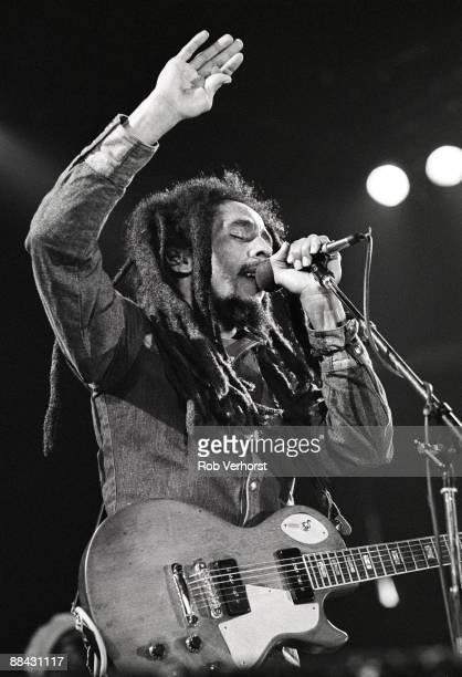 AHOY Photo of Bob MARLEY Bob Marley performing on stage