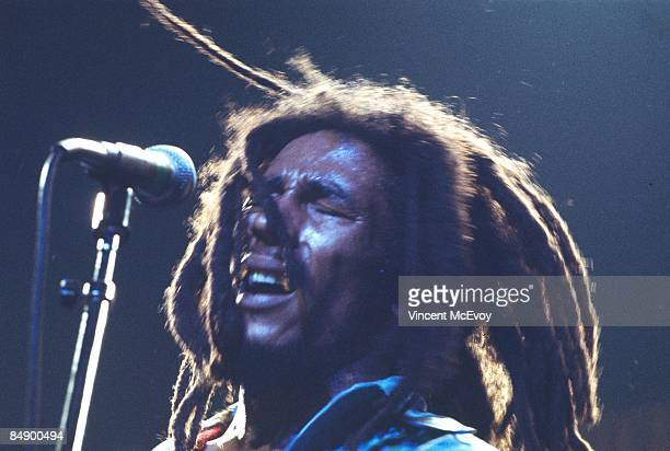 THEATRE Photo of Bob MARLEY performing live onstage
