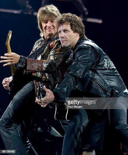ARENA Photo of BON JOVI and Jon BON JOVI and Richie SAMBORA Richie Sambora and Jon Bon Jovi performing on stage