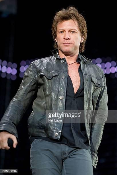 Photo of BON JOVI and Jon BON JOVI, Jon Bon Jovi performing on stage