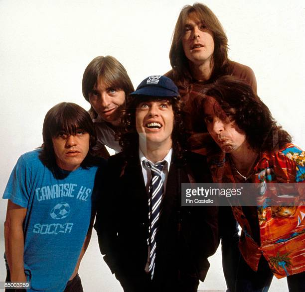 CAMDEN Photo of Bon SCOTT and AC/DC and Angus YOUNG and Phil RUDD and Cliff WILLIAMS and Malcolm YOUNG and AC DC LR Malcolm Young Phil Rudd Angus...