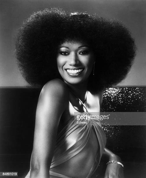 STUDIO Photo of Bonnie POINTER and POINTER SISTERS Bonnie Pointer