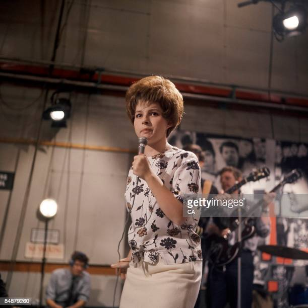 GO Photo of Brenda LEE Brenda Lee performing on tv show at Television House Kingsway