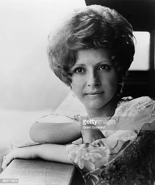 Photo of Brenda LEE Posed portrait of Brenda Lee