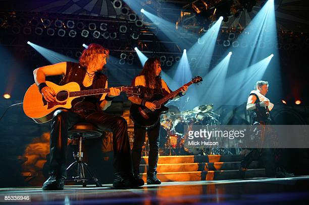 FORUM Photo of Bruce DICKINSON and Steve HARRIS and Adrian SMITH and IRON MAIDEN Adrian Smith Steve Harris Bruce Dickinson performing live onstage