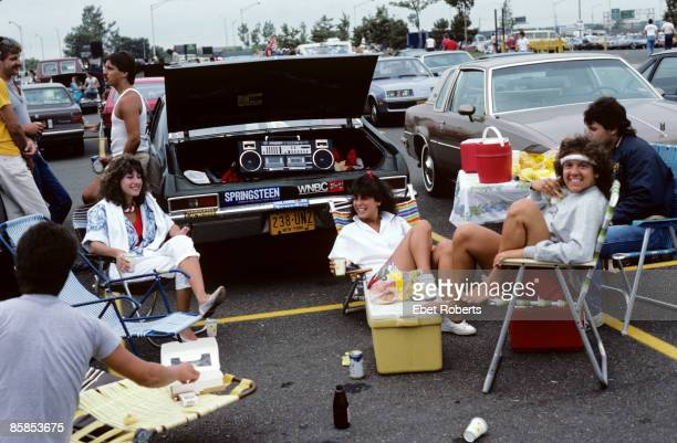 UNITED STATES AUGUST 19 BRENDAN BYRNE ARENA Photo of Bruce SPRINGSTEEN Fans having a picnic in the car park boombox