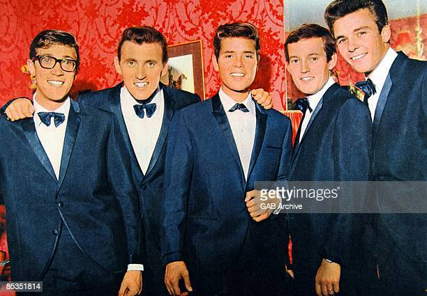 Photo of Bruce WELCH and Hank MARVIN and SHADOWS and Cliff RICHARD With The Shadows LR Hank Marvin Bruce Welch Cliff Richard Brian Bennett John...