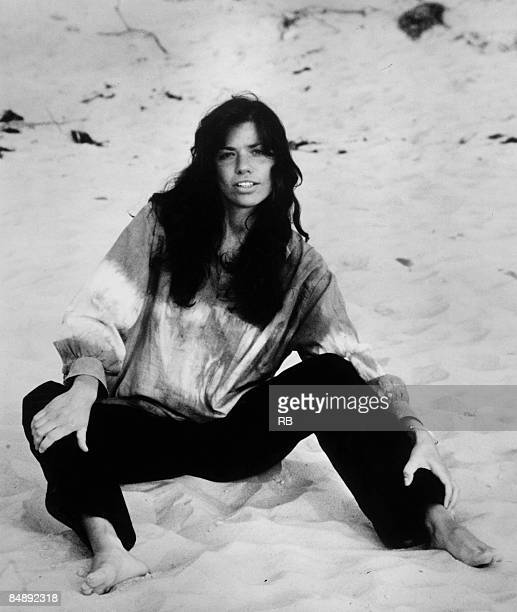 Photo of Carly SIMON Posed portrait of Carly Simon