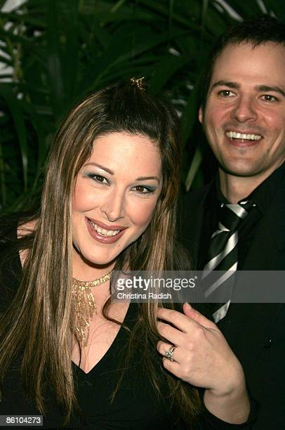 Photo of Carnie WILSON Carnie Wilson and husband